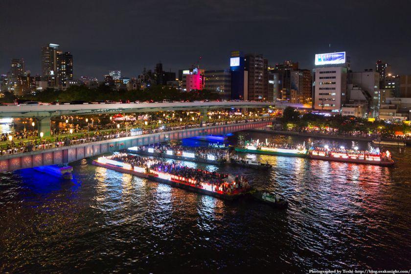 天満橋の夜景。写真:堀寿伸 https://blog.osakanight.com/